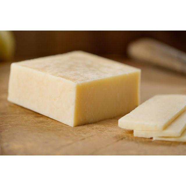 Vermont Cheeses - Farmstead Cheddar